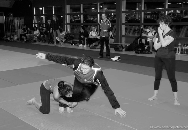 2themax self-defense, BJJ basiscs with Yasmin Sewgobond