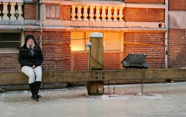 Amsterdam frozen canals, just waiting