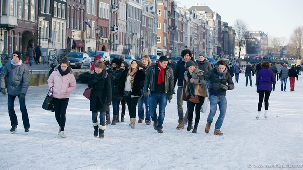 Amsterdam frozen canals, super cool sidewalk