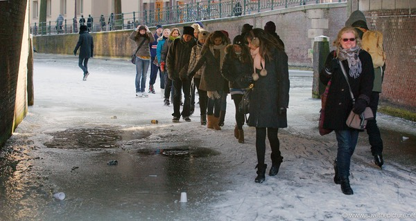 Amsterdam frozen canals, shortcut