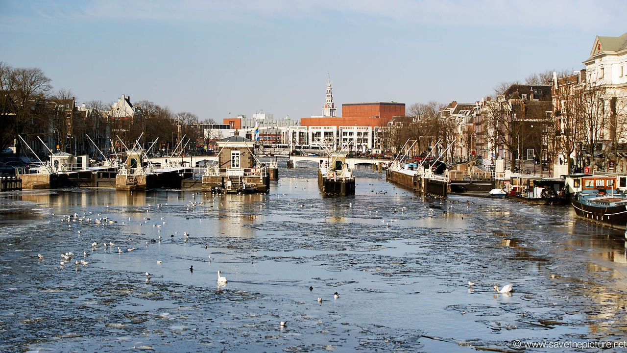 Amsterdam frozen canals, Stopera