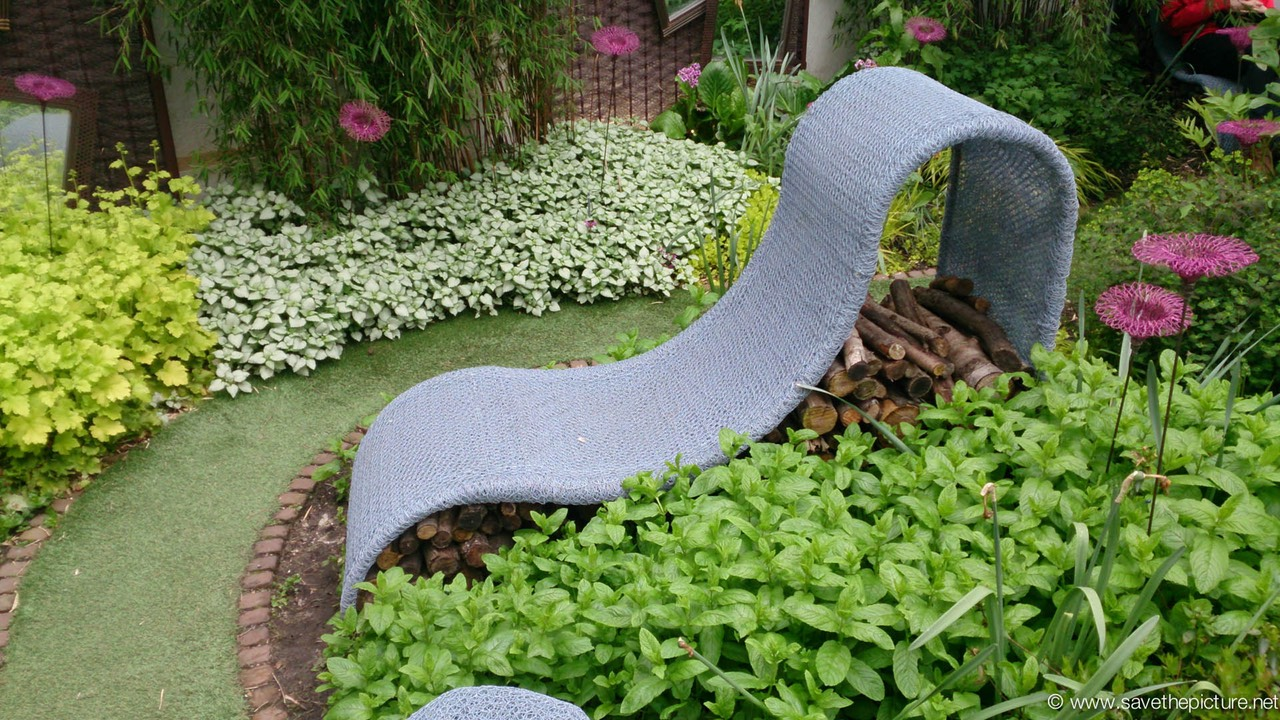 Droog garden furniture design reclining chair