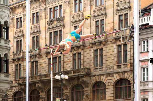 Long pole jump Prague