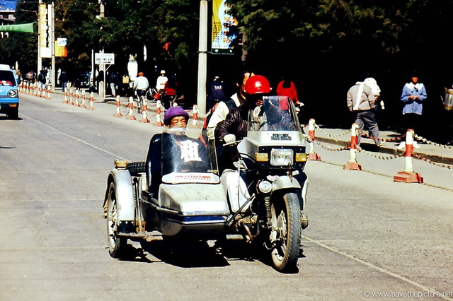 Lijiang taxi in action