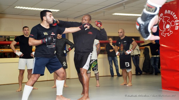 MMA stand up training, crosspunch Ivan Hippolyte 1