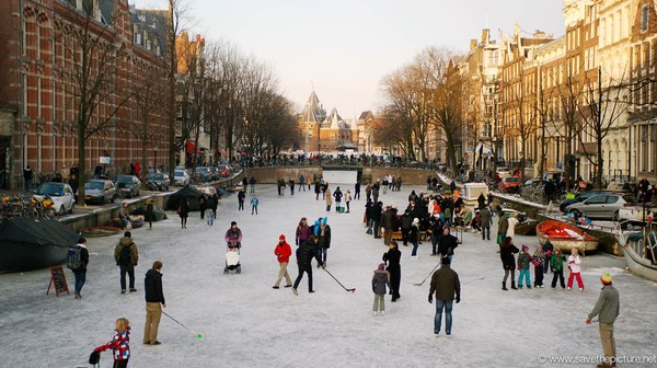 Amsterdam frozen canals, ice hockey