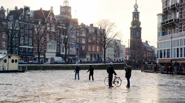 Amsterdam frozen canals, magic walk